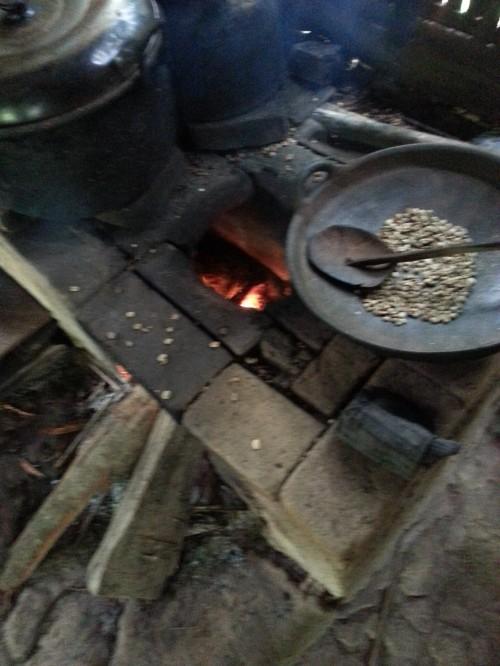 バリ・コーヒーを炒る